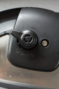 instant pot valve set to sealing